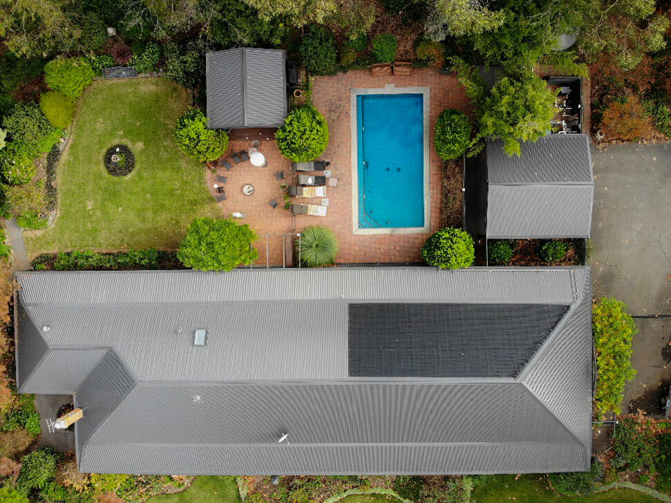 New Colorbond roofs with pool heater and gutter guard
