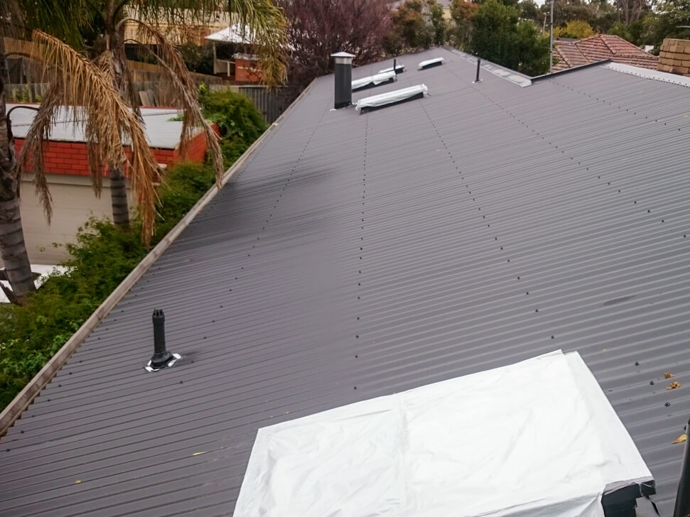 Switching a roof for Tiles to Metal